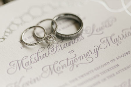 טבעות אירוסין טבעות נישואין ומה שבניהם
