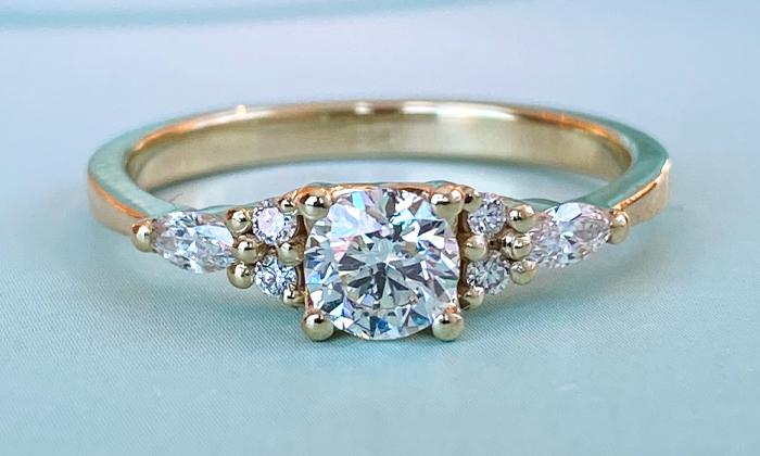 טבעת אירוסין Carolyn