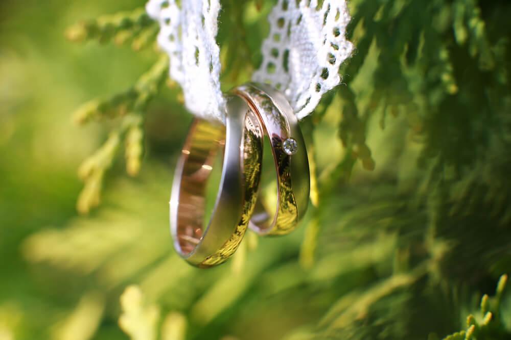 הצעת נישואין אינטימית או גדולה ? בעד ונגד