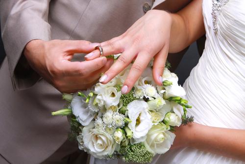 מדוע טבעות הנישואין לא צריכות לכלול יהלומים?