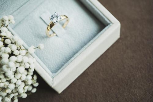 הטעויות הנפוצות בניקוי טבעת האירוסין