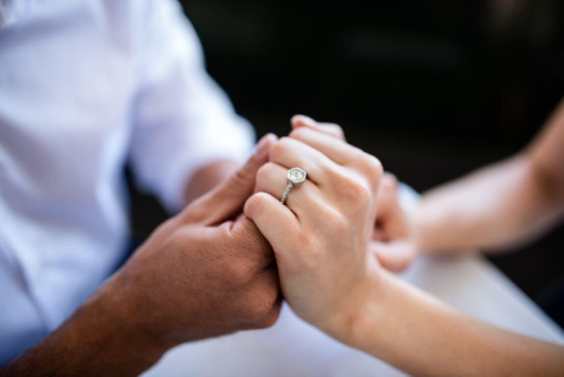 איך לבחור טבעת אירוסין?