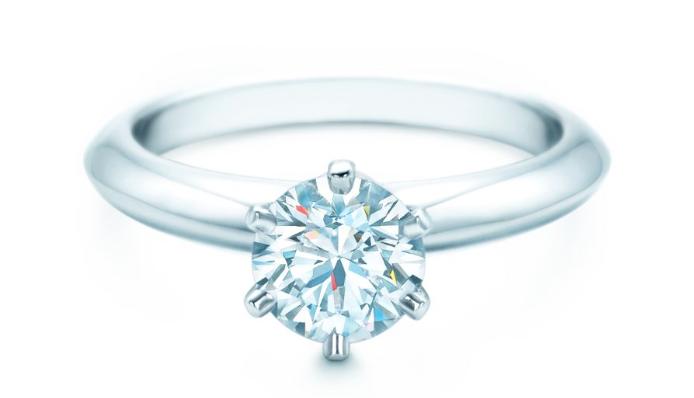 4 סיבות מדוע לרכוש טבעת אירוסין קלאסית