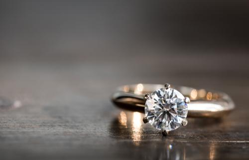 זהב - המתכת הנפוצה בטבעות אירוסין