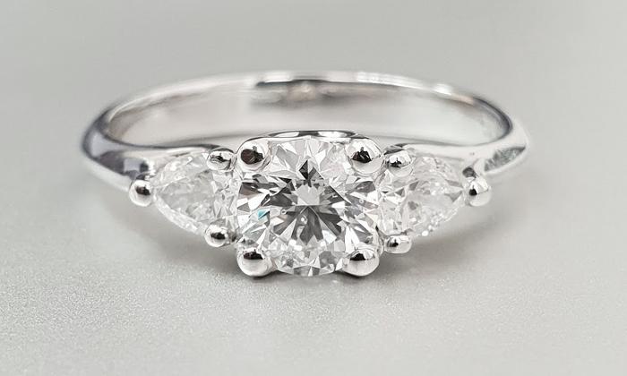 טבעת אירוסין Easter